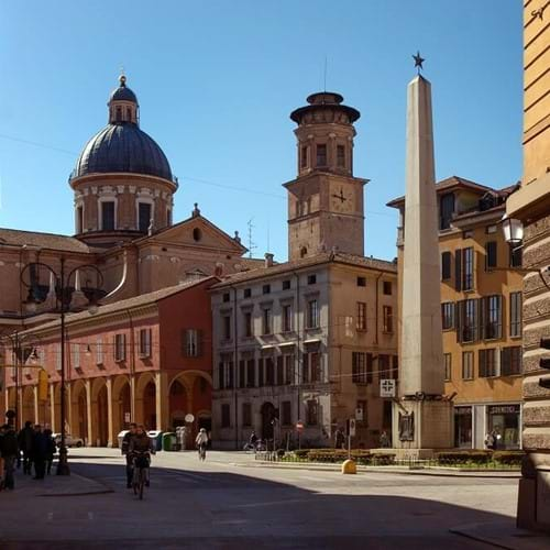 General visits to Reggio Emilia